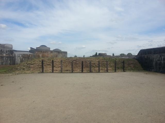 Die pale waar gevanges gefusilier is, Fort Breendonk