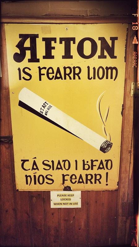 'n Sigaret teken in Iers-Gaelies